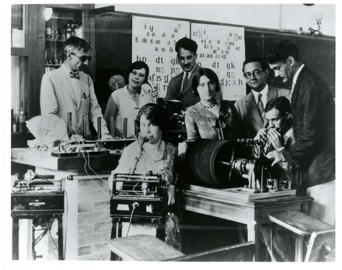 French language lab, 1927. Photographer unknown.